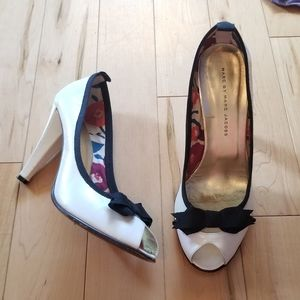 Marc by Marc Jacobs white leather black trim heels
